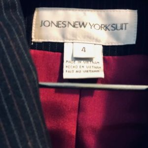 Jones New York paint suit
